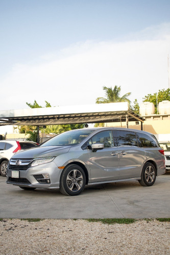 Imagen 1 de 8 de Honda Odyssey Touring V6 / 3.5 At 2018