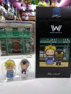 Lootcrate West World Dolores & Arnold