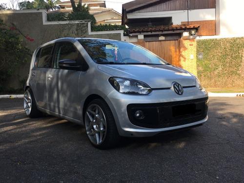 Imagem 1 de 10 de Volkswagen Up! 2016 1.0 Tsi Move 5p