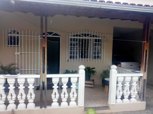 Casa De 2 Quartos No Bairro Pedra Azul - 3708