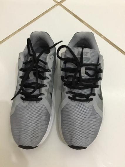 Tênis Nike Cinza. Unissex