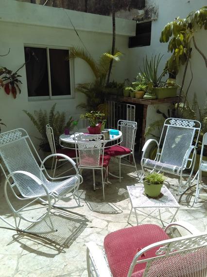 Alquiler Habitacion Pequeña Amueblada En Zona Colonial