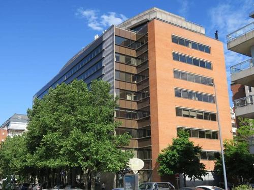 Imagen 1 de 6 de Oficina En Alquiler En Puerto Madero En Edificio De Categoría
