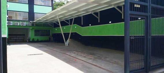 Edificio Con Estacionamiento En Venta. Centro De Barquisimeto