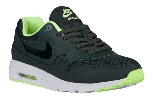 Tênis Nike Air Max 1 Ultra Essentials Feminino.