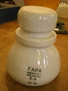 Antiguo Aislador De Porcelana Fapa