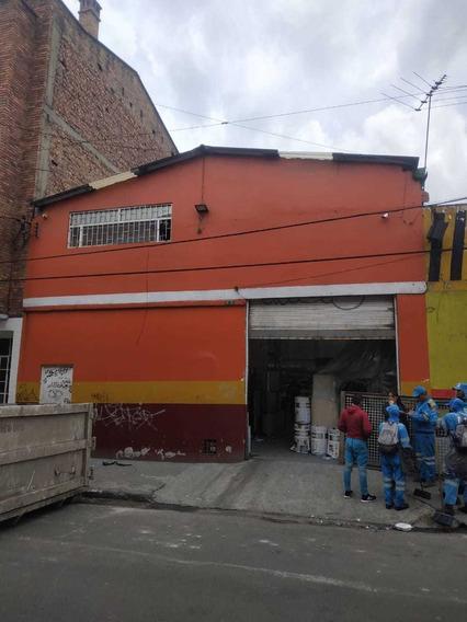 Hermosa Bodega En El Centro De Bogotá, A 4 Cuadras De La 26