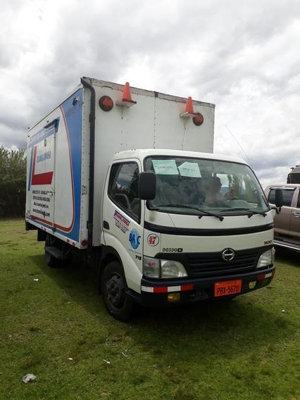 Camion Hino Dutro 716 5 Toneladas Cajón Metálico Y Acciones
