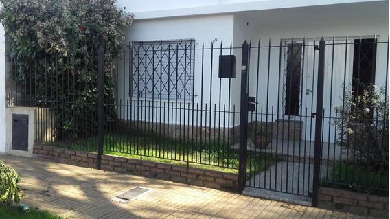 Casa En Bernal Centro 4 Ambientes Con Cochera Dueño Directo