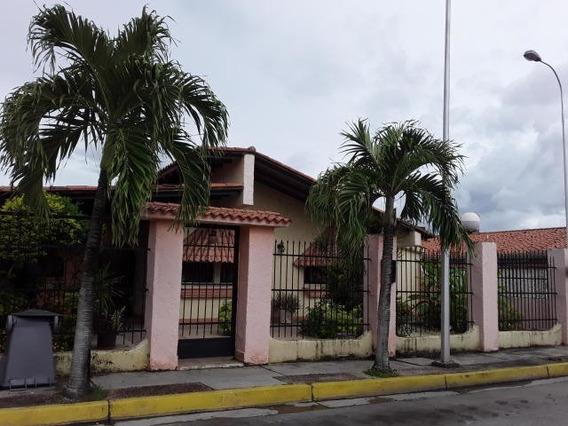 Casa En Venta Parque Res Don Juan Cod 20-9921