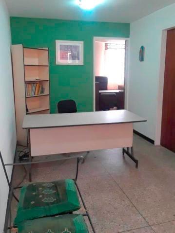 Oficina En Venta Barquisimeto Zona Centro 20-23616 Jg