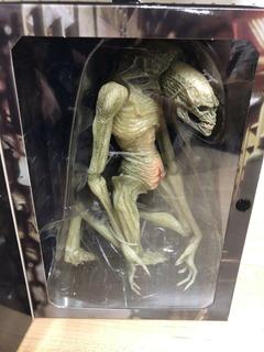 Neca Alien Newborn Resurrection Ultimate Mc Farlane Reel Toy