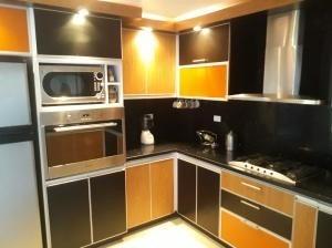 Casa En Venta, Codigo 20-4421, El Parral Valencia Dgv