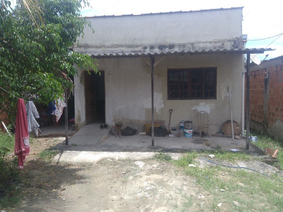 Casa Com 5 Cômodos, 2 Banheiros