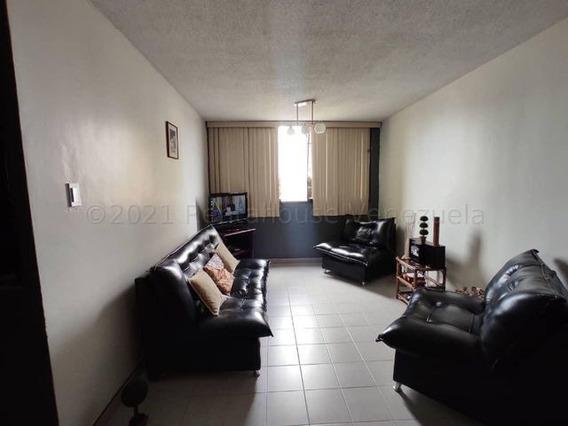 Apartamento En Venta Este Barquisimeto 21-17116 Jcg