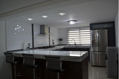 Hermosa Casa Recién Re Modelada Acabados De Primera, Moderna