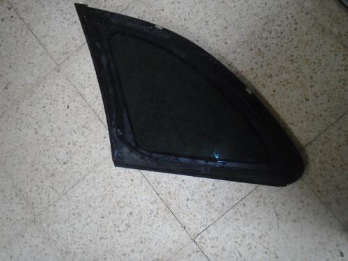 Vendo Vidrio Trasero Derecho  Skoda Fabia,  Año 2006