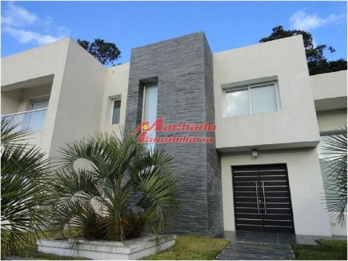 Casa En Punta Del Este, Mansa- Ref: 4429