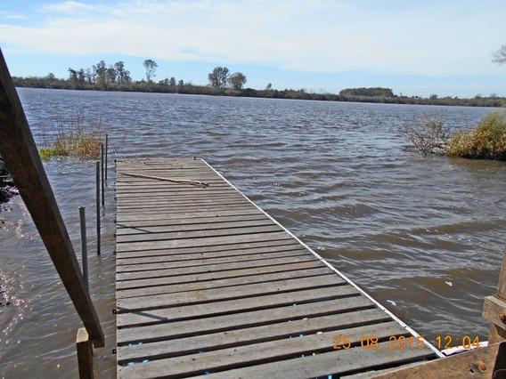 Puerto Deportivo Sobre El Río Negro