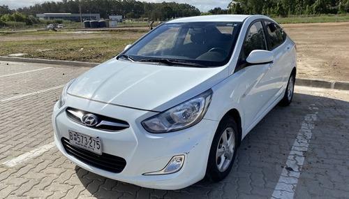 Hyundai Accent Full 1.4 2012