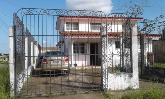 Venta De Casa Urbanización Bella Vista