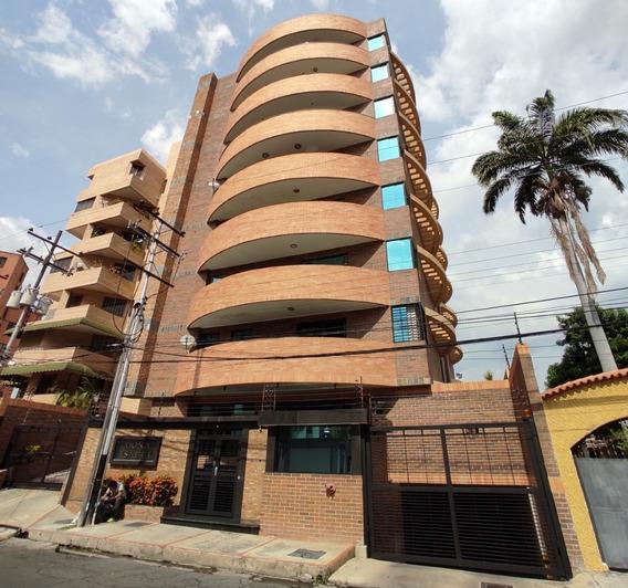 Apartamento En Venta El Bosque Maracay Cod.20-12351