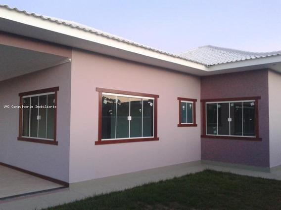 Casa Para Venda Em Araruama, Praia Seca, 5 Dormitórios, 2 Suítes, 4 Banheiros, 2 Vagas - Iv0063