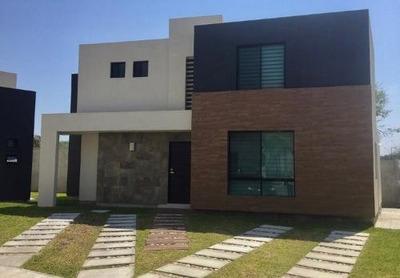 Rcv3249 Casa En Venta En Fracc Arcangeles
