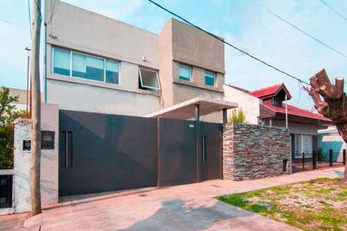 Imagen 1 de 29 de Casa En Venta 3 Dormitorios 2 Baños 400mts2- Los Hornos