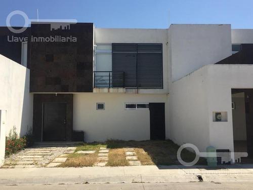 Casa - Anacleto Canabal