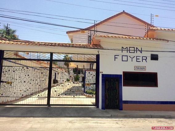Townhouses En Venta 04128676402