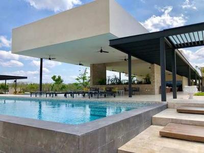 Lotes En Privada Nortemerida Con Amenidades Y Casa Club, Calidad De Vida Resort.