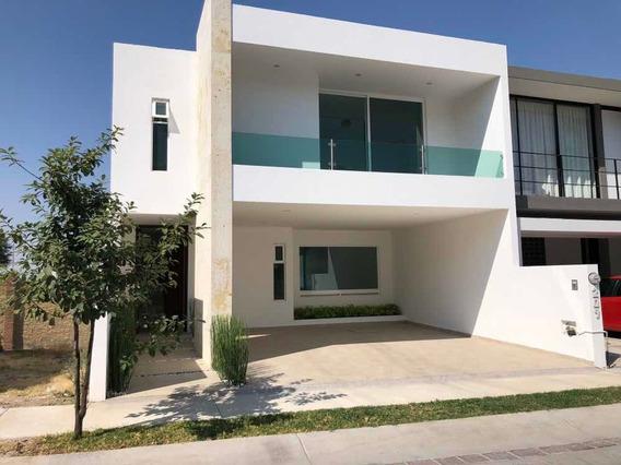 Casa En Lomas Punta Del Este 3 Recamaras 3 Baños Nueva