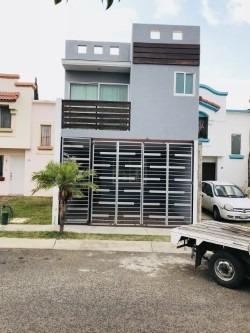 Casa Con Terraza Grande