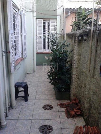 Apartamento Em Cidade Baixa Com 2 Dormitórios - Bt10461