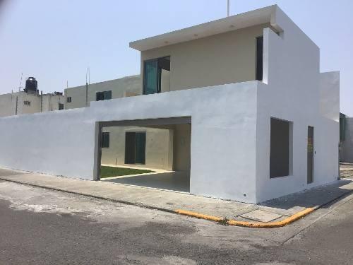 Se Vende Casa Remodelada En Fraccionamiento Las Vegas, Veracruz