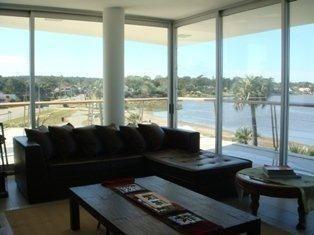 Apartamento En Alquiler Por Temporada De 3 Dormitorios En La Barra