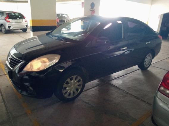Nissan Versa 1.6 16v Sv Flex 4p 2014