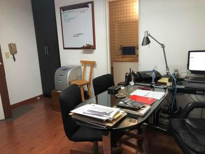 Oficina En Arriendo En Santa Barbara Mls 18-69 Rb