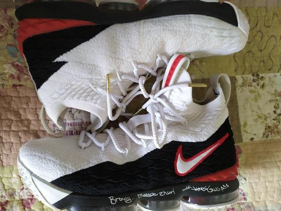 Tênis Nike Lebron James 16