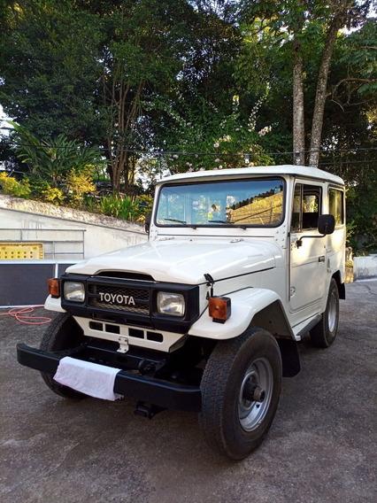 Toyota Bandeirante 94