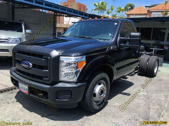Ford F-350 Chasis