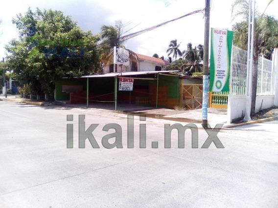 Renta Local Comercial 525 M² Col. La Calzada Tuxpan Veracruz. Ubicado En La Carretera A La Barra Km 6.5 Lote 2, El Local Comercial Consta De Cocina, Cochera Descubierta, 1 Bodega, Patio,1 Recamara, 2