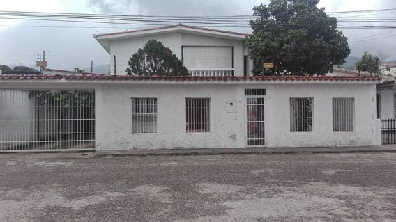 Alquiler. Casa. San Cristobal