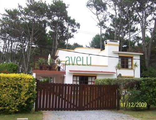 Imagen 1 de 11 de Casa En Mansa, 4 Dormitorios *- Ref: 713