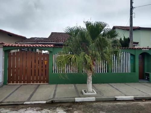 Imagem 1 de 14 de Casa Com Ar Condicionado No Bairro Loty, Em Itanhaém - 6285