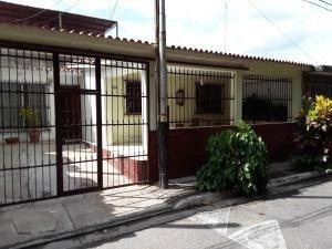 Casas En Venta Monteserino San Diego Carabobo 20-9287 Ys