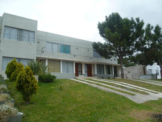 Duplex En Venta En Pinamar-mar De Ostende-a 600 Mts Del Mar-120mts De Jardin Propio-gas Natural