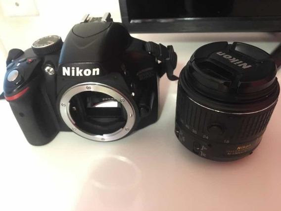 Máquina Nikon D3200