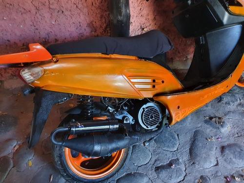 Felipe · Moto Scooter Motor 150cc 100% Mantencion Al Dia